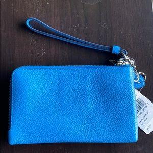 Coach Bags - Coach Pebbled Leather Double Zip Wristlet  💎